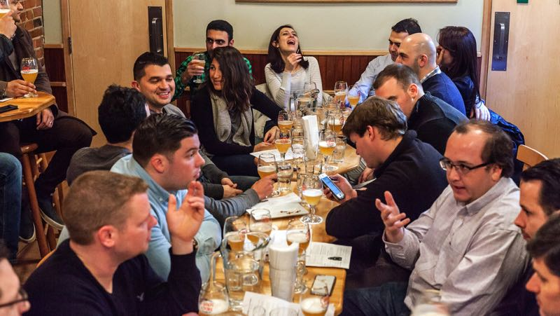montreal craft beer tours amere a boire table