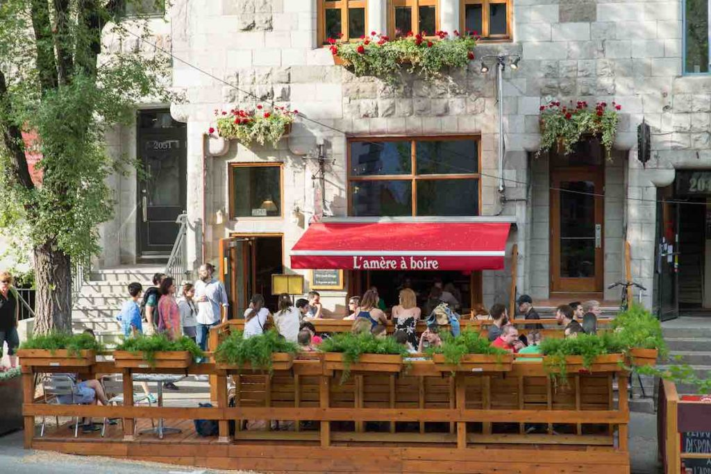 patio of brewpub l'amere a boire - best brewpubs in montreal